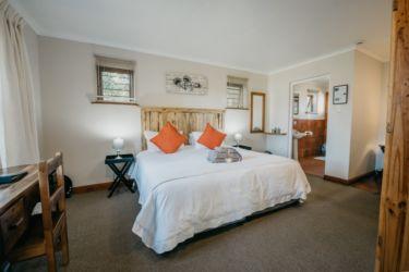 The Village Lodge Loerie Room V