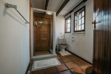 The Village Lodge Otter Ensuite bathroom