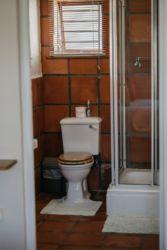 The Village Lodge loerie bathroom